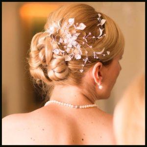 Braut Steckfrisur mit Haarschmuck